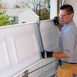 Only Trust Knowledgeable And Skilled Garage Door Technicians